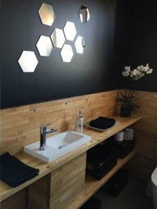Panneau-hevea-plan-travail-salle-bain